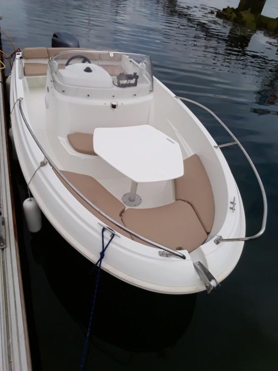 Louer Bateau à moteur avec ou sans skipper Jeanneau à Plougonvelin