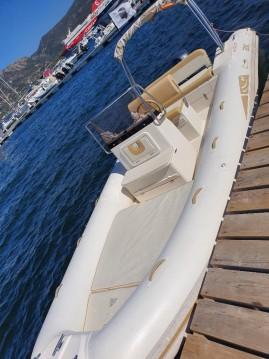 Louer Semi-rigide avec ou sans skipper Bsc à Porto-Vecchio