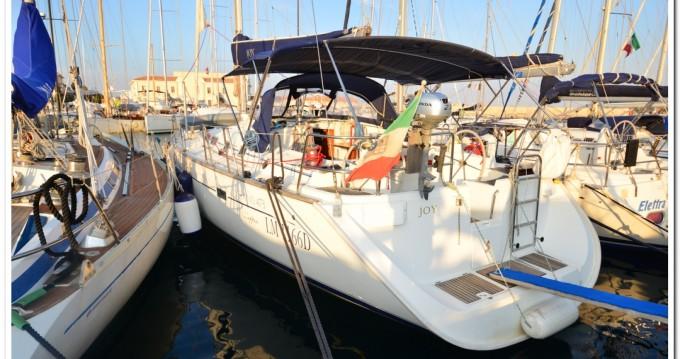 Bénéteau Oceanis 473 Clipper entre particuliers et professionnel à La Maddalena