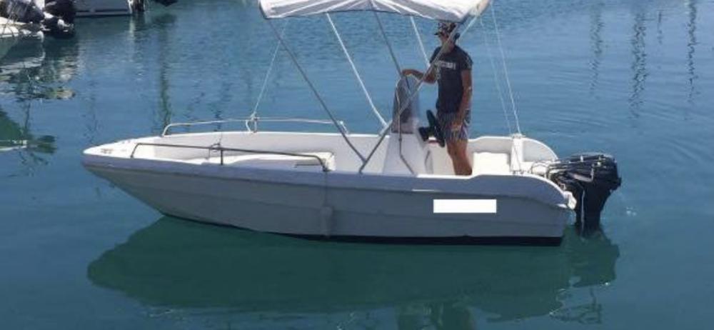 Louer Bateau à moteur avec ou sans skipper Saver à Fréjus