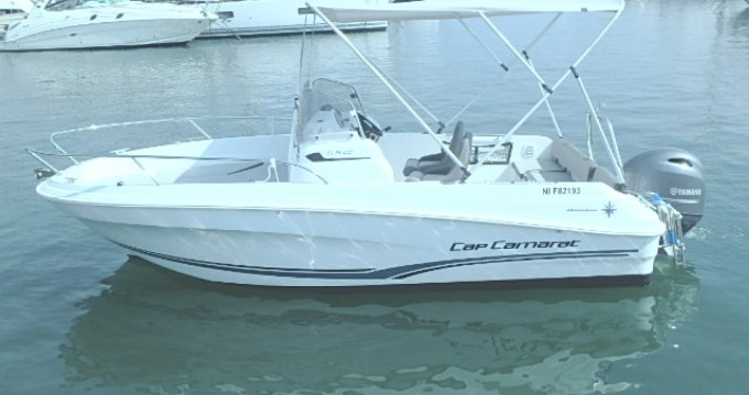 Location bateau Golfe-Juan pas cher Cap Camarat 5.5 CC Serie 2