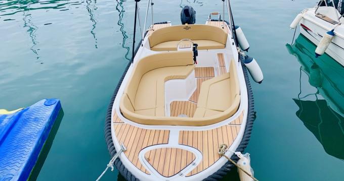 Location bateau Mareti 500 open à Puerto Deportivo Marina Del Este sur Samboat