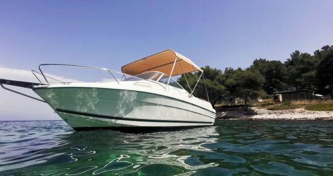 Louez un Jeanneau Leader 605 Luxe à Split