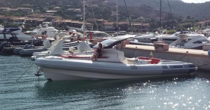Location bateau Pirelli P1100 cabin à Porto Rotondo sur Samboat