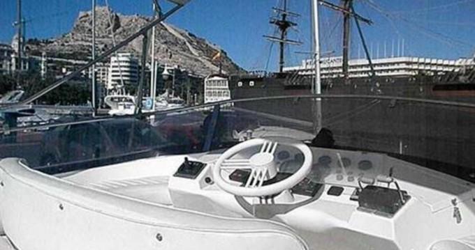 Louer Bateau à moteur avec ou sans skipper Birchwood à Alicante