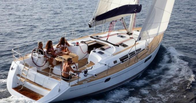 Louez un Jeanneau Sun Odyssey 49i à Skiathos