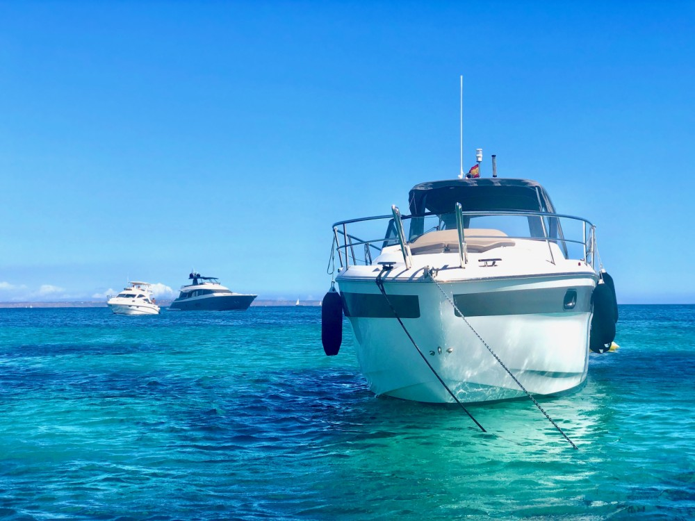 Hire Motor boat with or without skipper Bavaria Palma