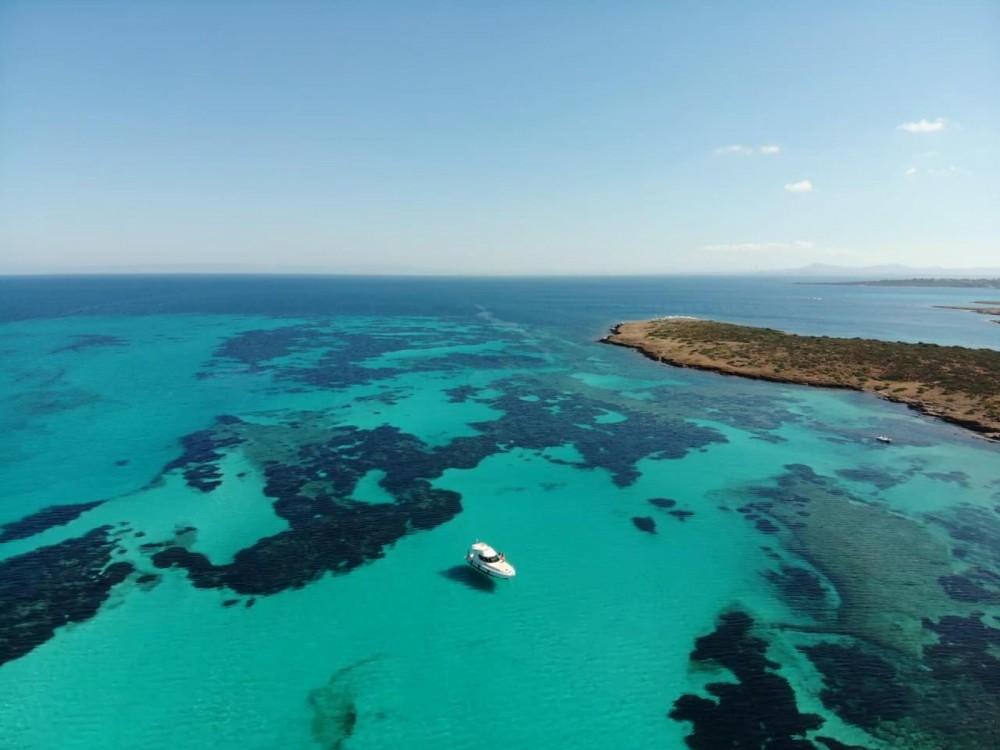 Rental yacht Isthintini/Stintino - Azimut Absolute 43 Fly on SamBoat