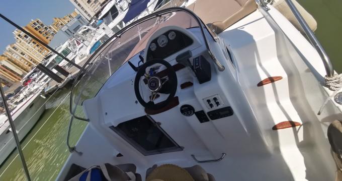 Location Bateau à moteur B2 Marine avec permis