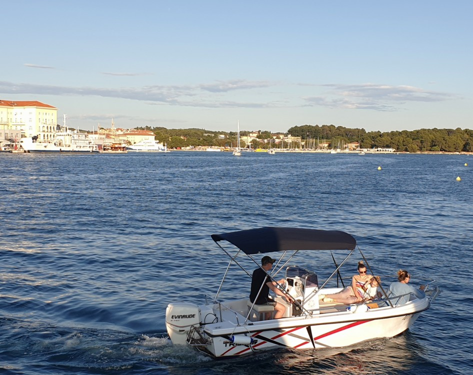 Location bateau Polyform Triakis 17,5 à Poreč sur Samboat