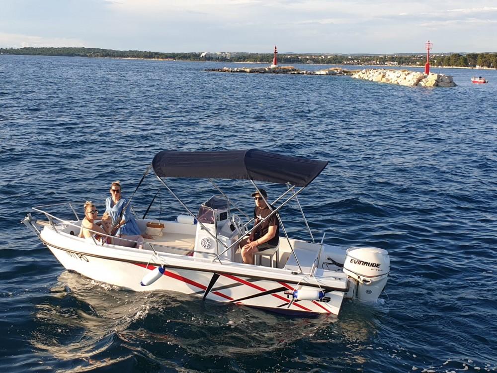 Location bateau Poreč pas cher Triakis 17,5