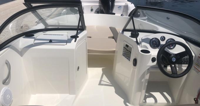 Louer Bateau à moteur avec ou sans skipper Bayliner à Bormes-les-Mimosas