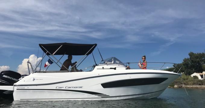 Louer Bateau à moteur avec ou sans skipper Jeanneau à Sainte-Maxime