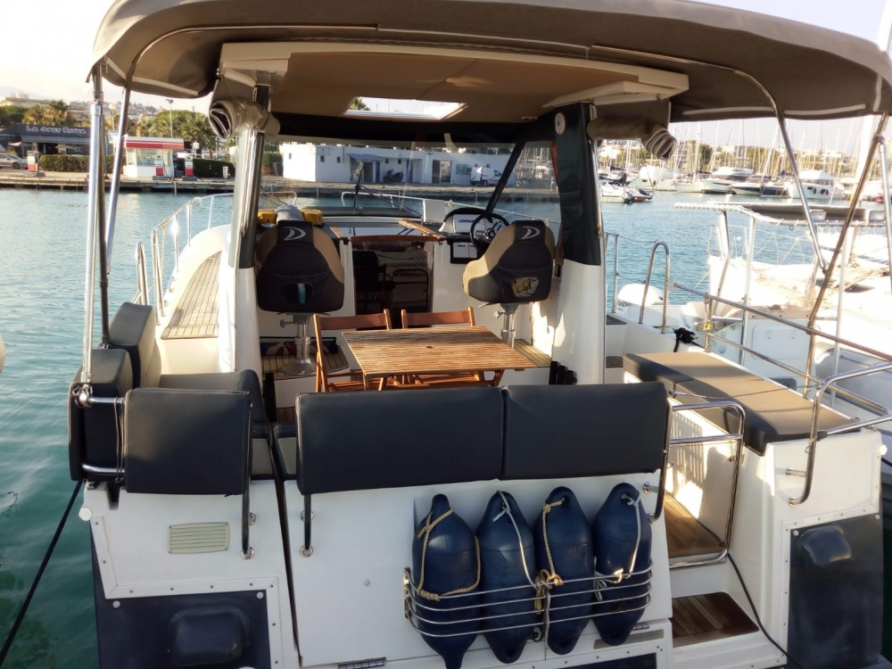 Boat rental Delphia Delphia 1100 in Nice on Samboat