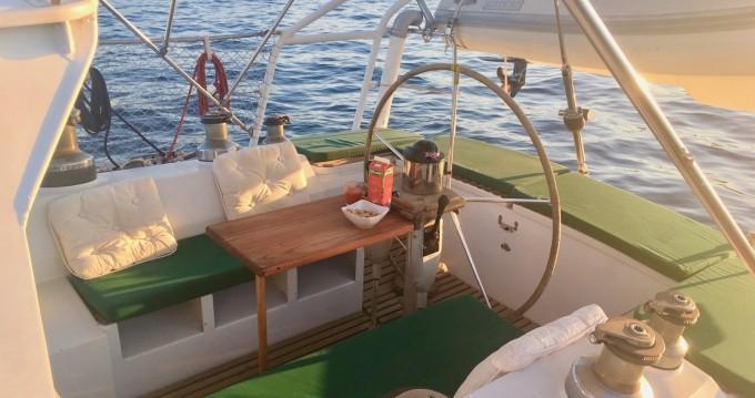 Location bateau La Ciotat pas cher VIA 52