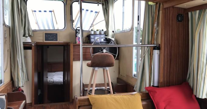 Location bateau Locaboat Penichette 930 à La Vicomté-sur-Rance sur Samboat