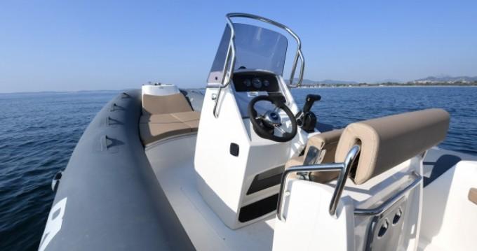 Location bateau Bwa Sport 22 GTO à La Trinité-sur-Mer sur Samboat