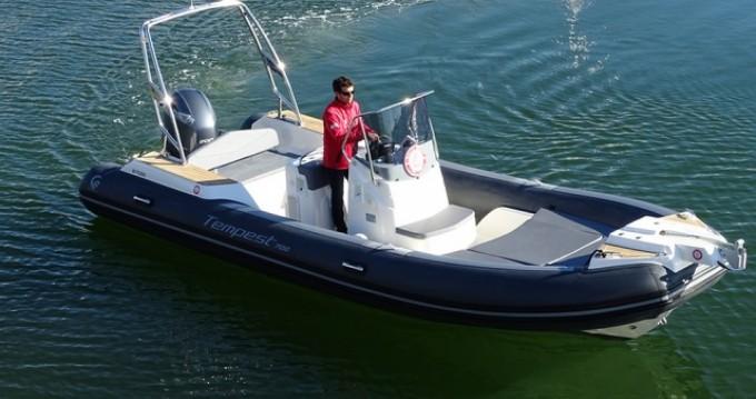 Louer Semi-rigide avec ou sans skipper Capelli à La Trinité-sur-Mer