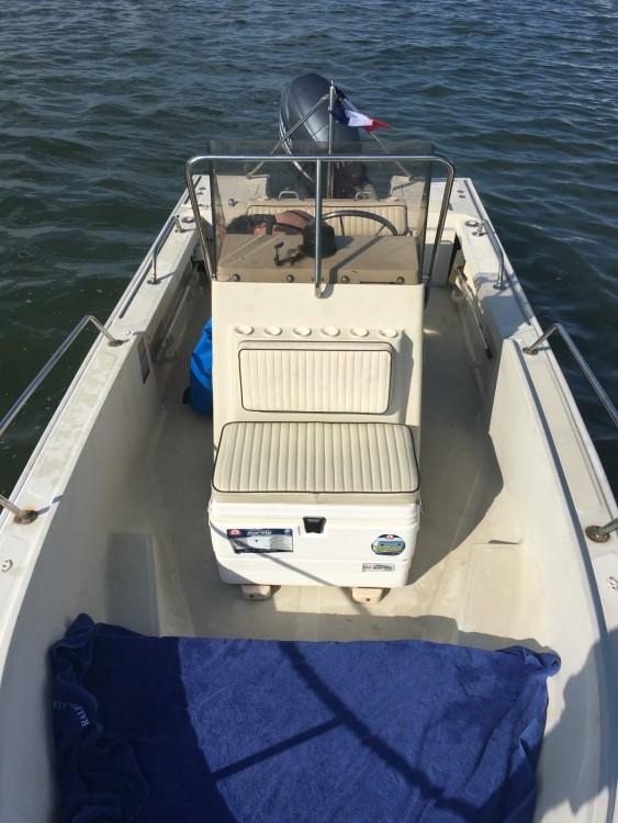 Bootverhuur Boston Whaler Boston Whaler 17 Outrage in Lège-Cap-Ferret via SamBoat