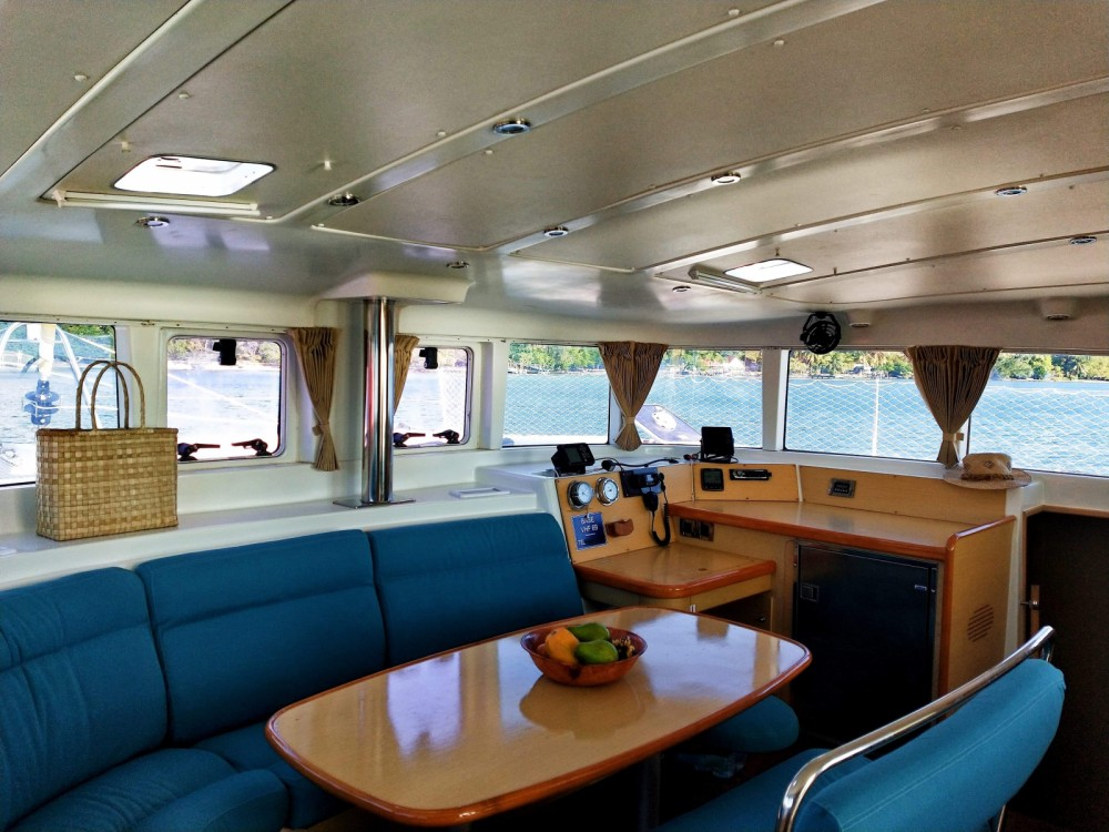Location bateau Uturoa pas cher Lagoon 440