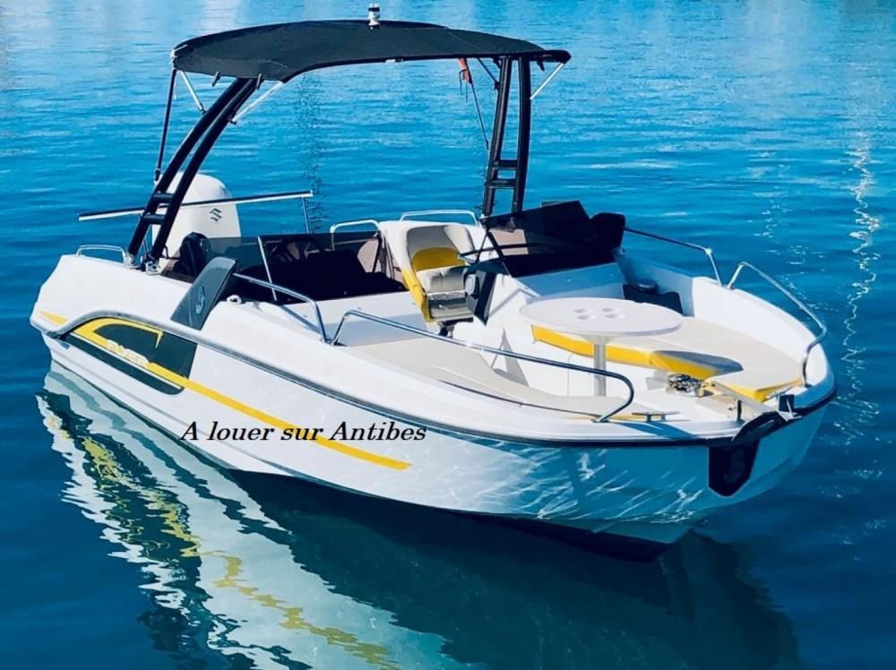 Rental Motor boat in Antibes - Bénéteau Flyer 6 SPORTdeck Open 175 ch Tour de Wake