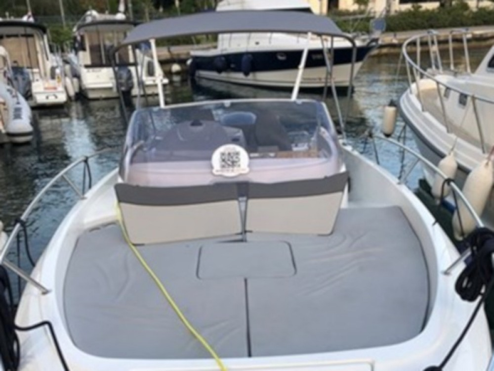 Hire Motor boat with or without skipper Jeanneau Marina Zadar