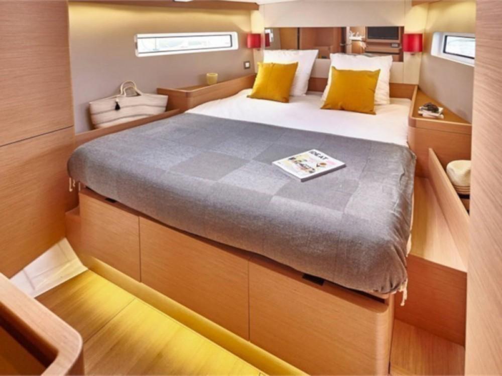 Boat rental Jeanneau Sun Odyssey 490 in Arona on Samboat