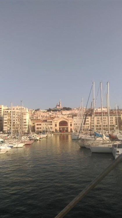 Huur Jacht met of zonder schipper Ferretti in Marseille