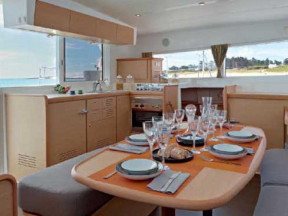 Rental Catamaran in Murter - Lagoon Lagoon 421