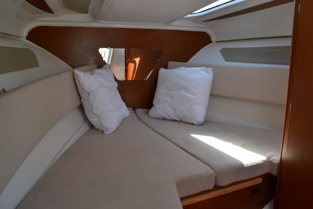 Location yacht à Toulon - Jeanneau Cap Camarat 7.5 DC sur SamBoat