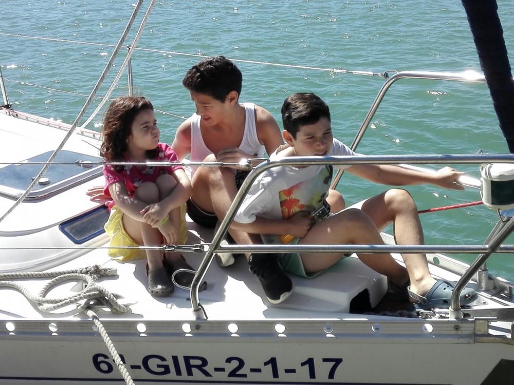 Bootverhuur Bénéteau Oceanis 400 in Castelldefels via SamBoat