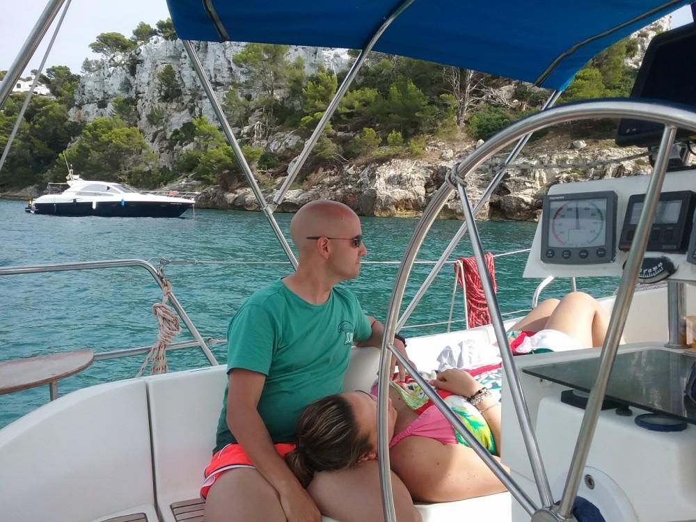 Bootverhuur Castelldefels goedkoop Oceanis 400