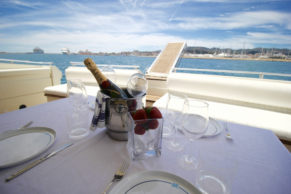 Hire Yacht with or without skipper Ferretti Palma