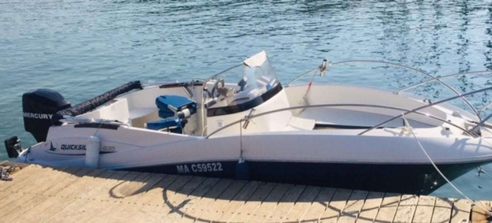Boat rental Quicksilver Quicksilver 635 in Saint-Cyr-sur-Mer on Samboat
