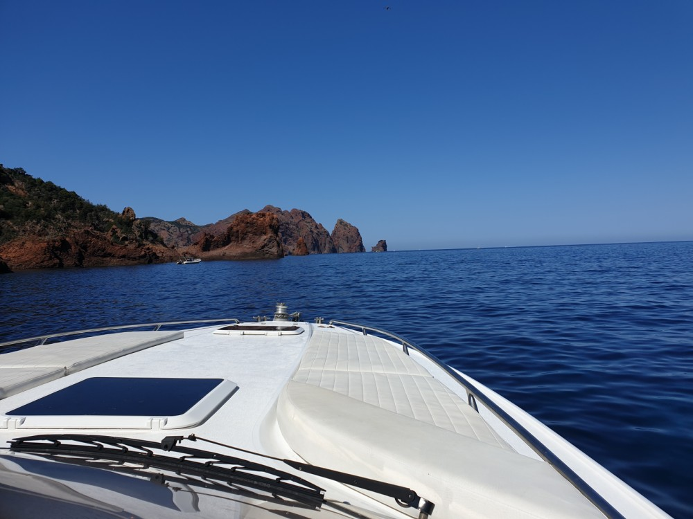 Bootverhuur Sunseeker Tomahawk 37 in Calvi via SamBoat