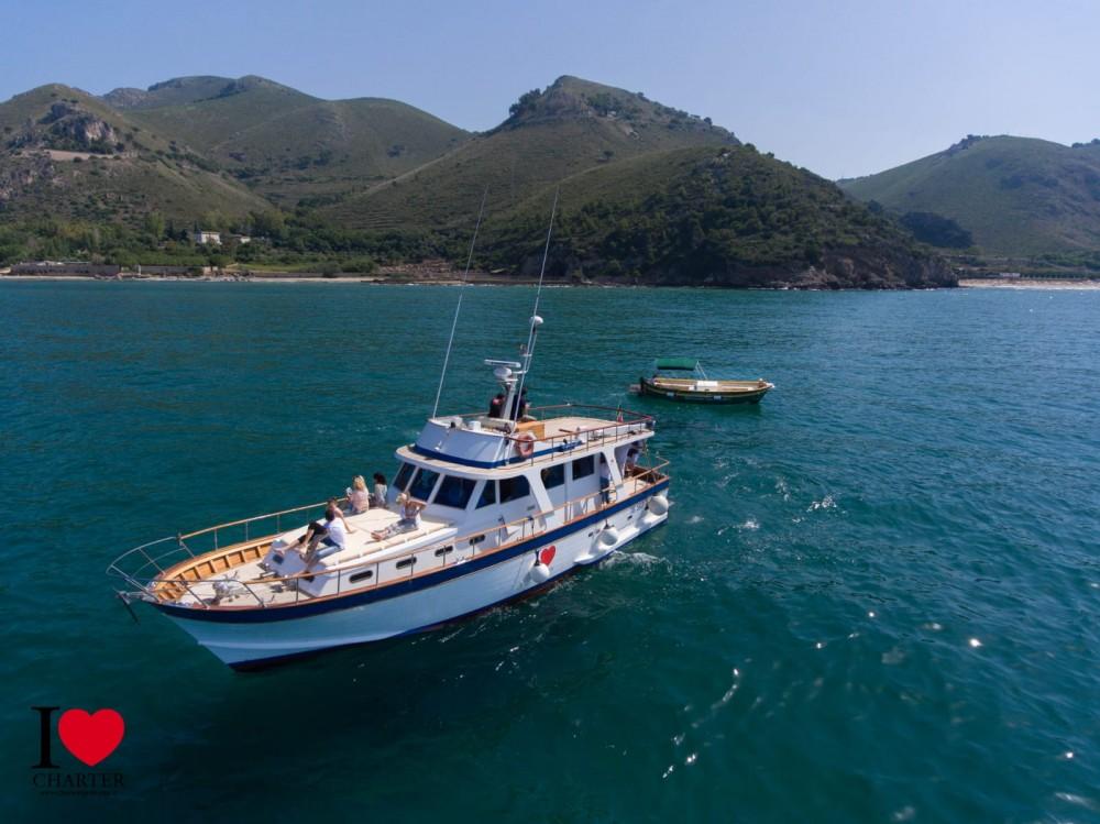 Location bateau Naples pas cher Sadama
