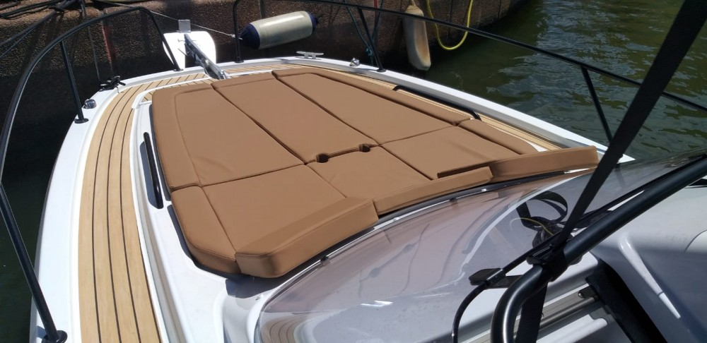 Louez un Bénéteau Flyer 8 Sun Deck à Port Grimaud