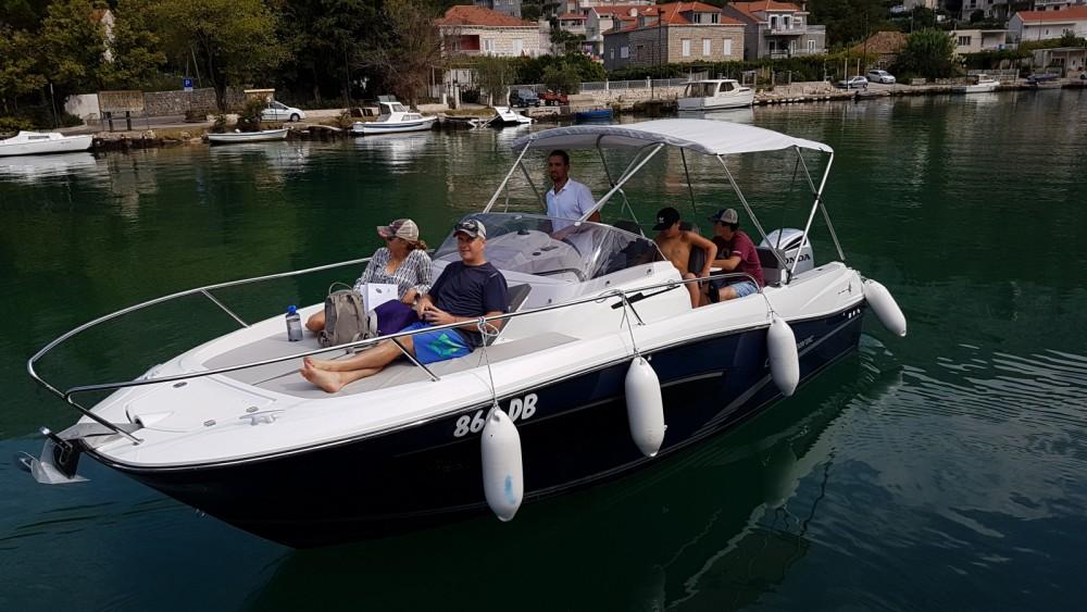 Louez un Jeanneau Cap Camarat 7.5 WA à Dubrovnik