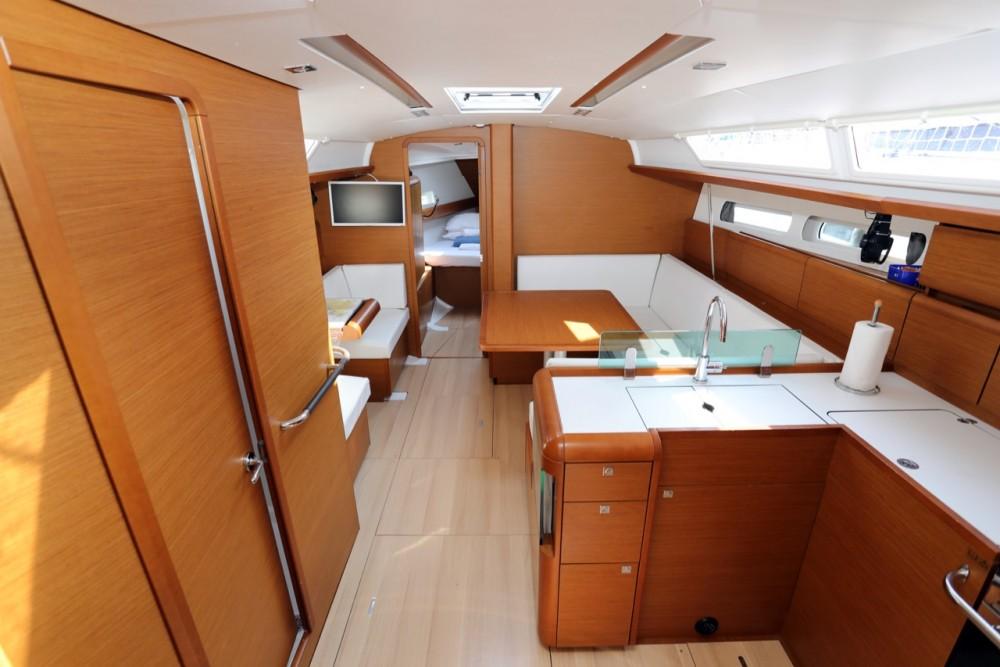 Rental Sailboat in ACI Marina Pula - Jeanneau Sun Odyssey 419