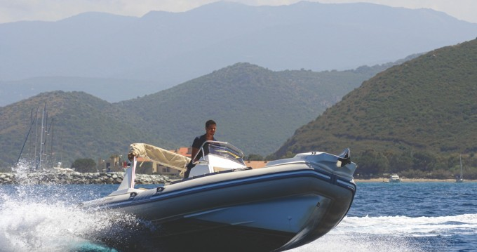 Location yacht à Saint-Florent - Lomac Lomac 710 IN sur SamBoat