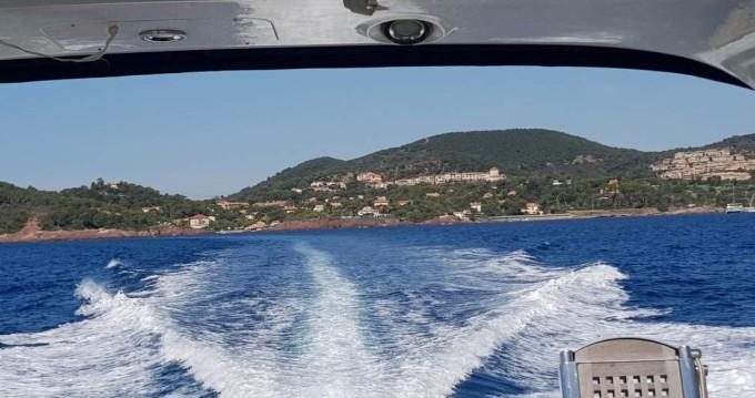 Location bateau Saint-Raphaël pas cher Gobbi 425 SC