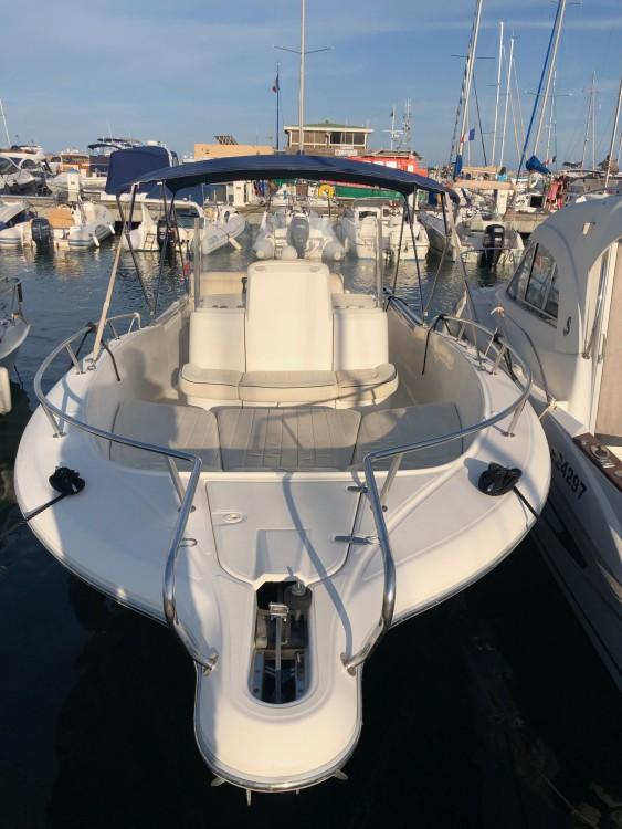 Location bateau Hyères pas cher White Shark 265