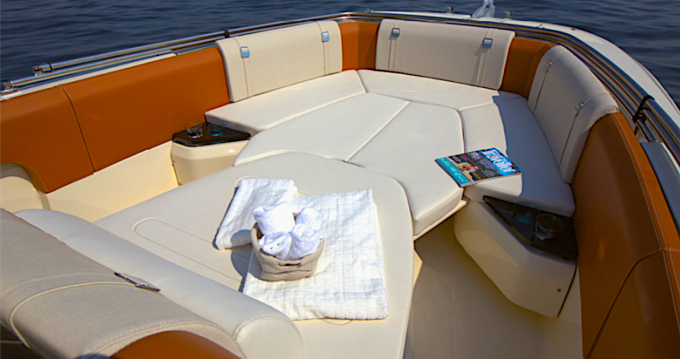 Location bateau Invictus  Invictus 270 FX à Cannes sur Samboat