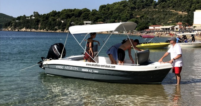 Zaggas Marine  Aegeon  entre particuliers et professionnel à Skiathos