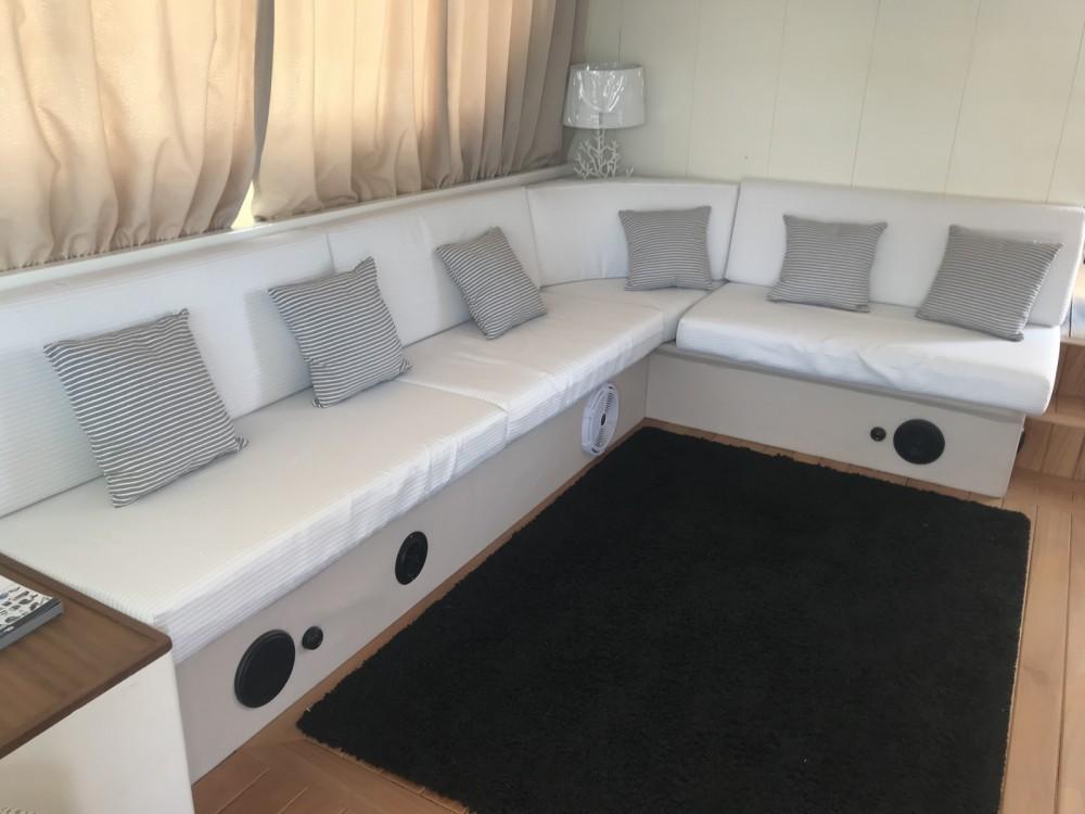 Louer Yacht avec ou sans skipper cantieri liguri Lavagna à Naples