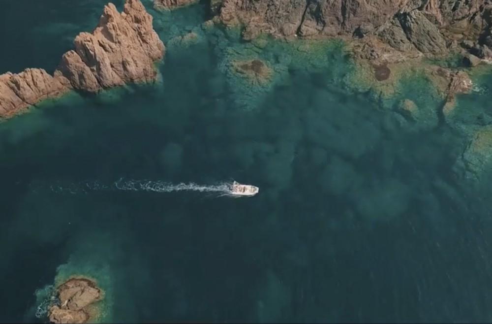 Location bateau Zodiac Medline à Galéria sur Samboat