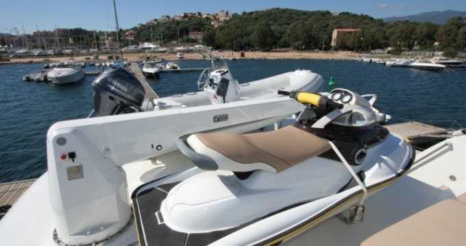 Location bateau Mondomarine Mondomarine 82 à Porto-Vecchio sur Samboat