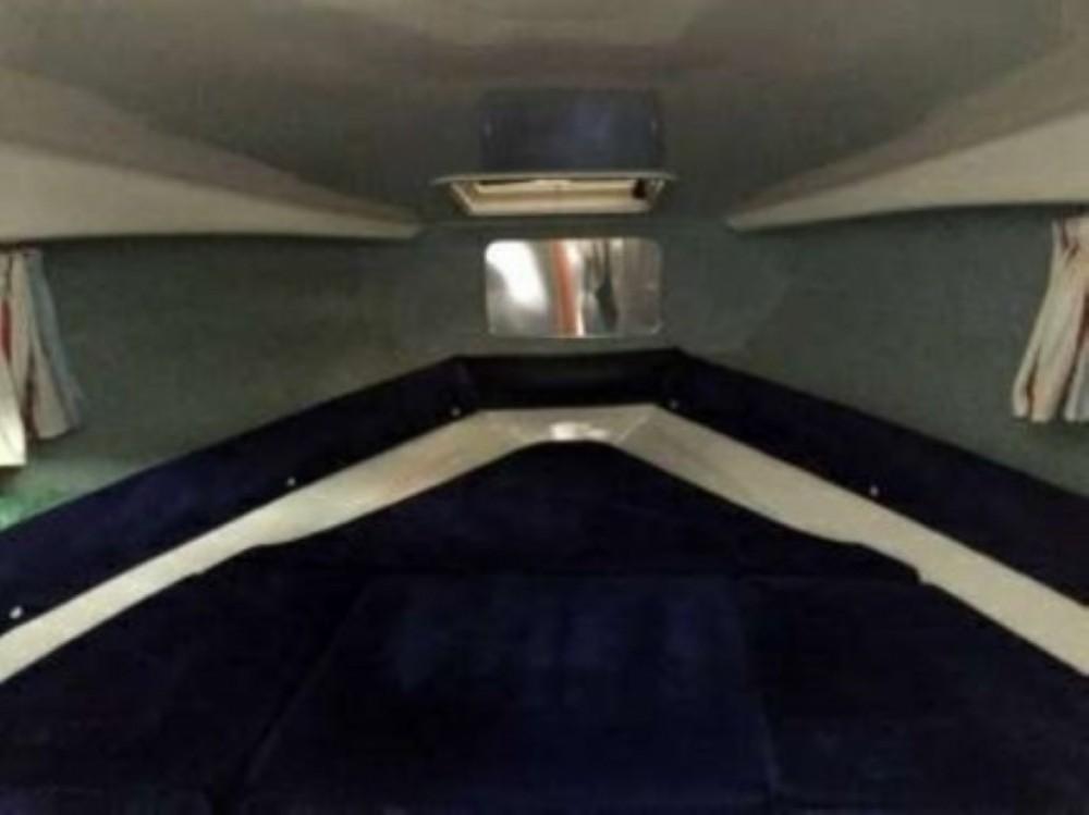 Location Bateau à moteur SAVER Cabin avec permis