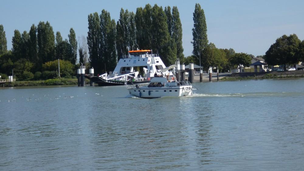 Louer Bateau à moteur avec ou sans skipper Aquanaut à Rouen