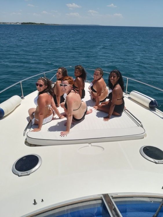 Yacht for rent Porto Cesareo at the best price